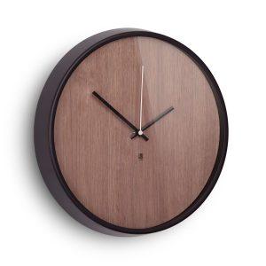 Reloj de madera de pared
