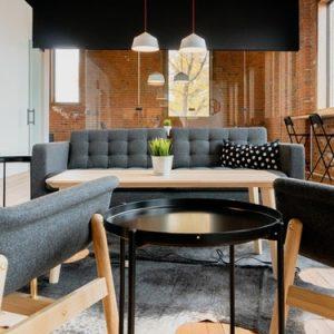 sofa minimalista negro